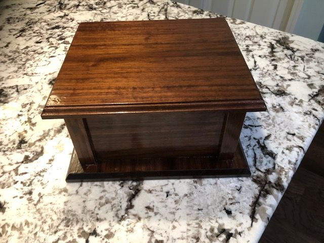 Custom board pet box
